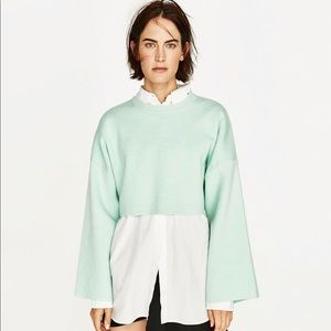 Cropped Sweatbshirt with Wide Sleeves